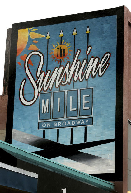 """""""The Sunshine Mile"""": Tucson merchants hope to revive old name for stretch of Broadway"""