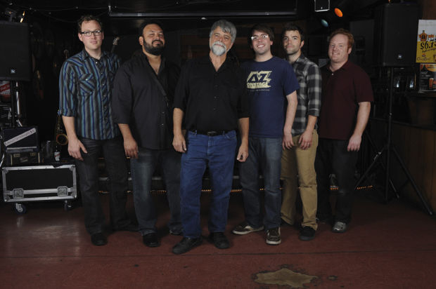 Music on Mountain returns; 3rd show features Ronstadts