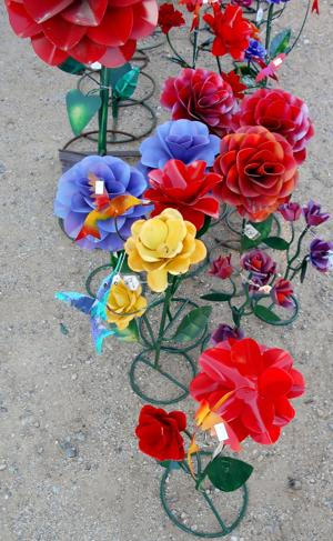 lawn art variety of flowers.JPG