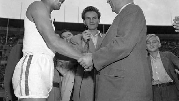 News 4 Tucson >> Jesse Owens 1951 | | tucson.com