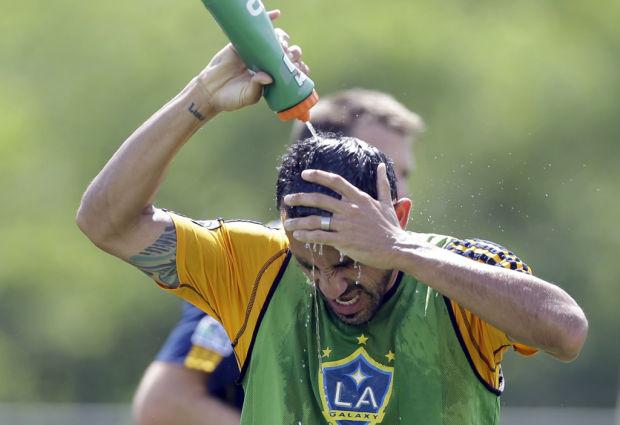 Soccer: Ex-Amigo Mastroeni embraces role in LA