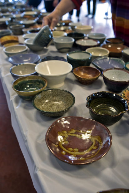 """""""Empty Bowls"""" fundraiser in Tucson to fill food bank's need"""