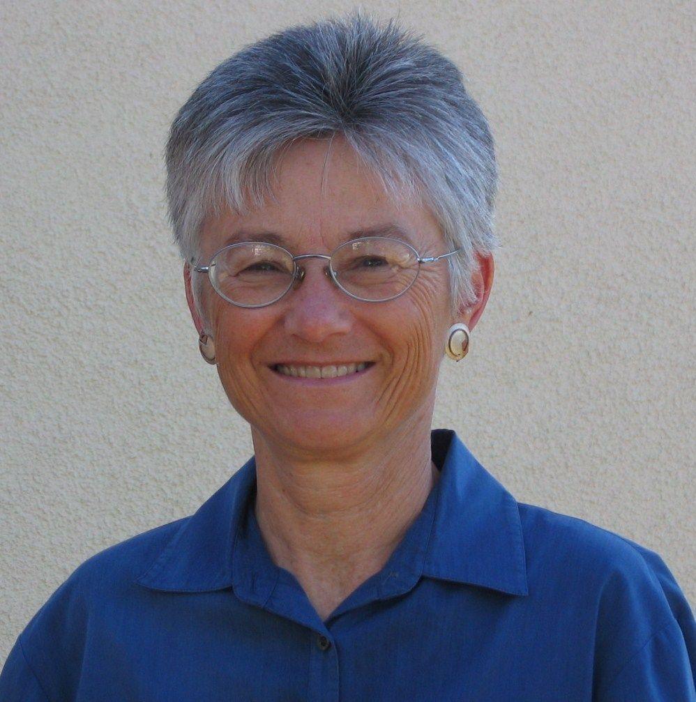 Leslie Carlson