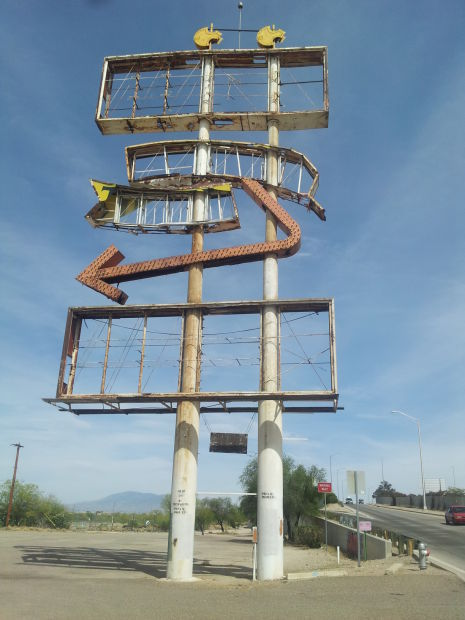South Tucson sign is an eyesore, must come down