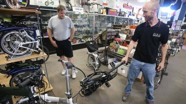basses to bicycles music store adds folding bikes news about tucson and southern arizona. Black Bedroom Furniture Sets. Home Design Ideas