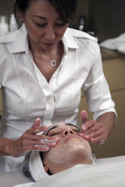 NYC spa clients plop down $180 for bird poop facials