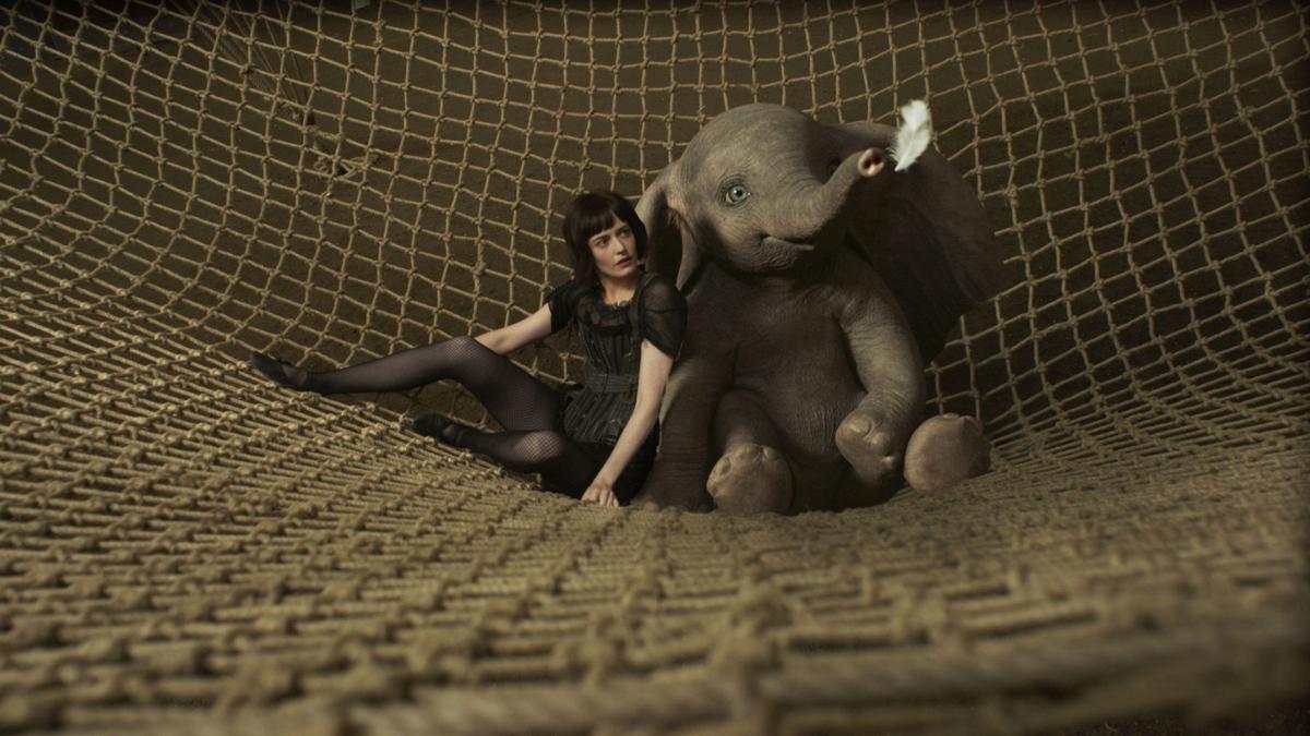 Hasil gambar untuk film dumbo