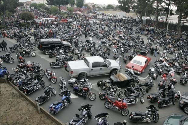 2,000 attend Calif  funeral of slain Hells Angels leader   News