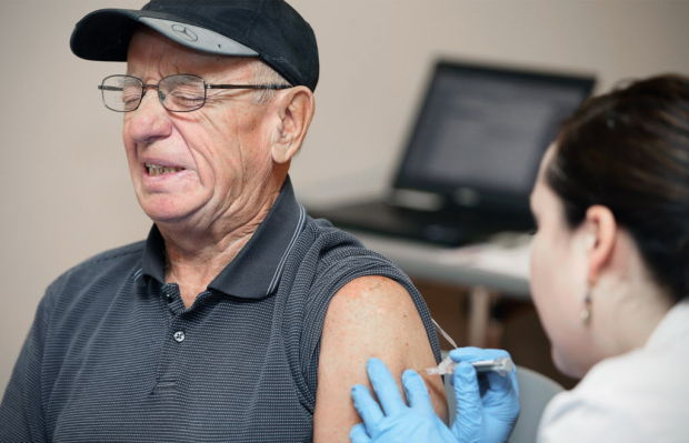 Study: High-dose flu shot better protects seniors