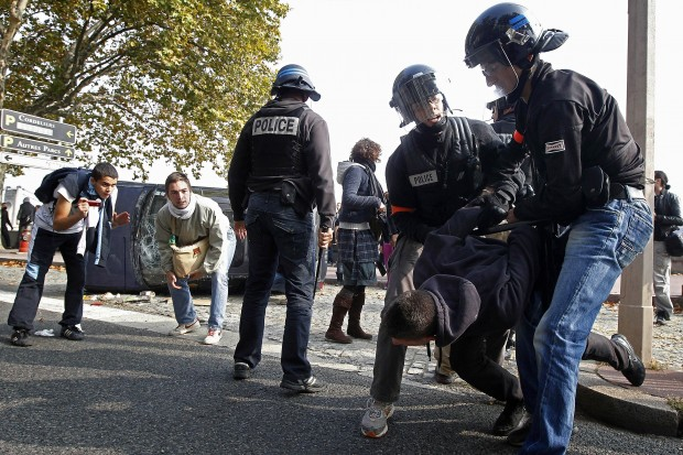 French continue to protest retirement reforms