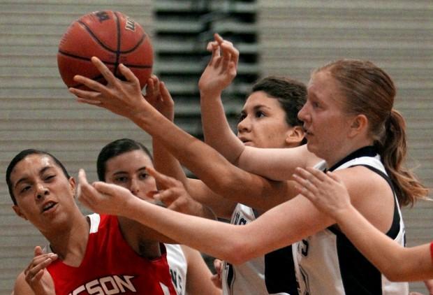 Mountain View girls vs. Tucson