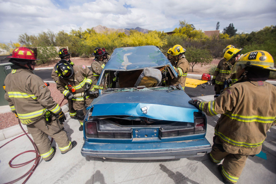 Mountain Vista Fire District and Golder Ranch Fire District Extrication Training