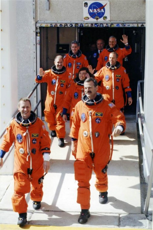 Astronaut urges people to actually reach for stars
