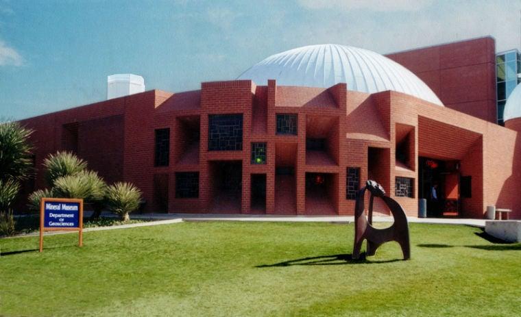 Flandrau Science Center - planetarium