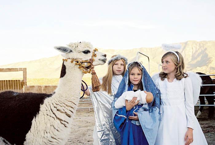 Children in live Nativity Dec. 17, 18