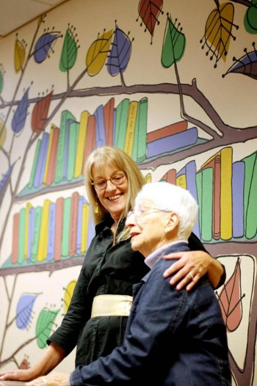 Mural honors library supporters
