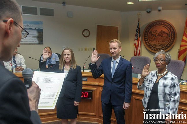 Oro Valley swears in new Town Councilmembers