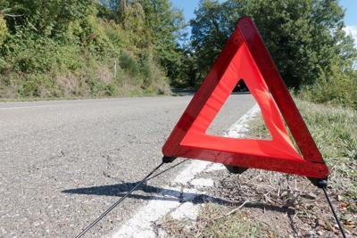Crash warning road sign