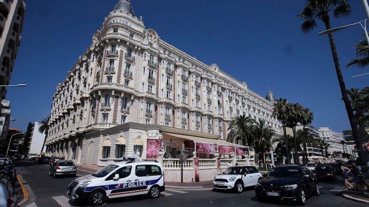 Caanes Hotel