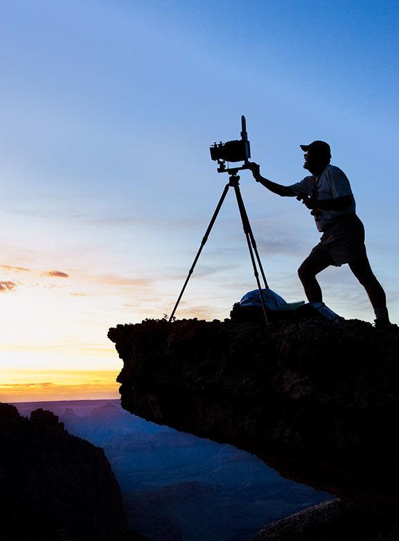 Jack Dykinga at Grand Canyon 010301-0833-00