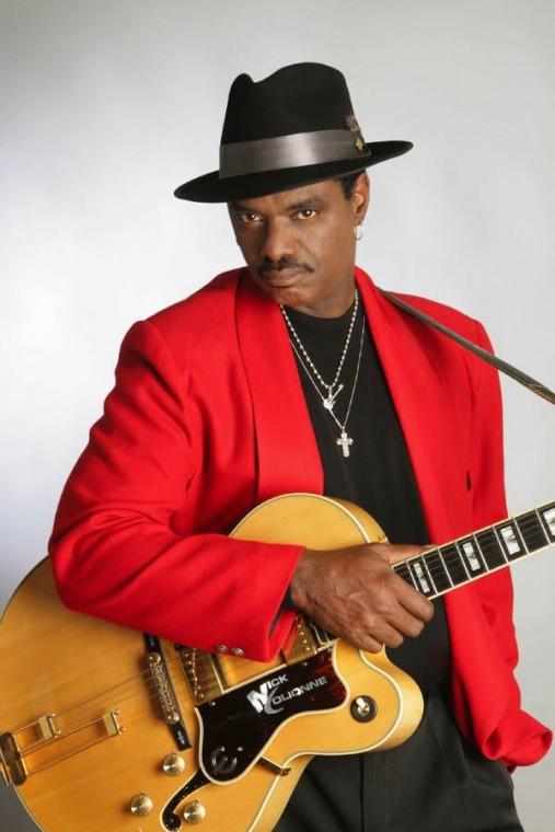 Jazz/funk guitarist plays 4th at resort