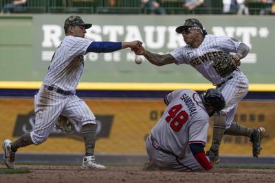 Braves Brewers Baseball