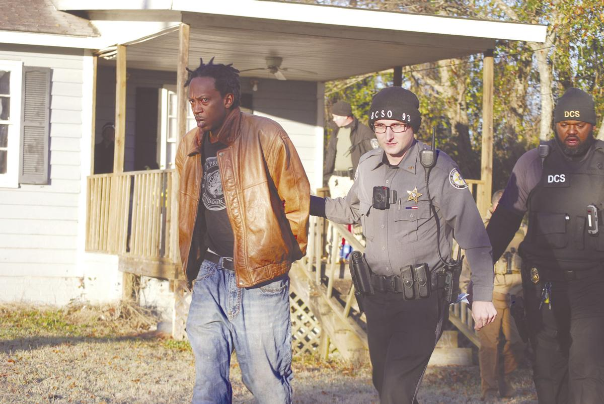Outstanding warrants lead to 10 arrests: Local, state and