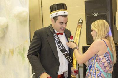 Prom caters to people with disabilities