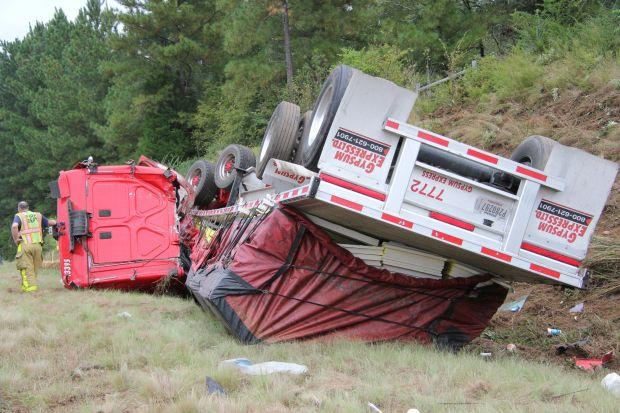 Drivers escape HWY 441 Bypass wreck | Archives