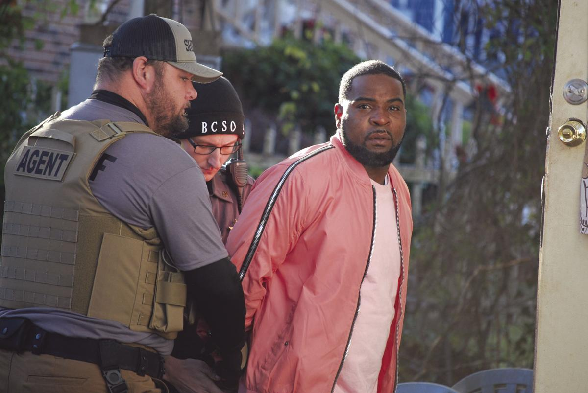 Outstanding warrants lead to 10 arrests: Local, state and federal