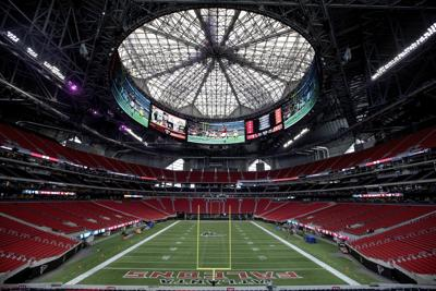 Workers To Fix Automation Issues On Atlanta Stadium S Roof