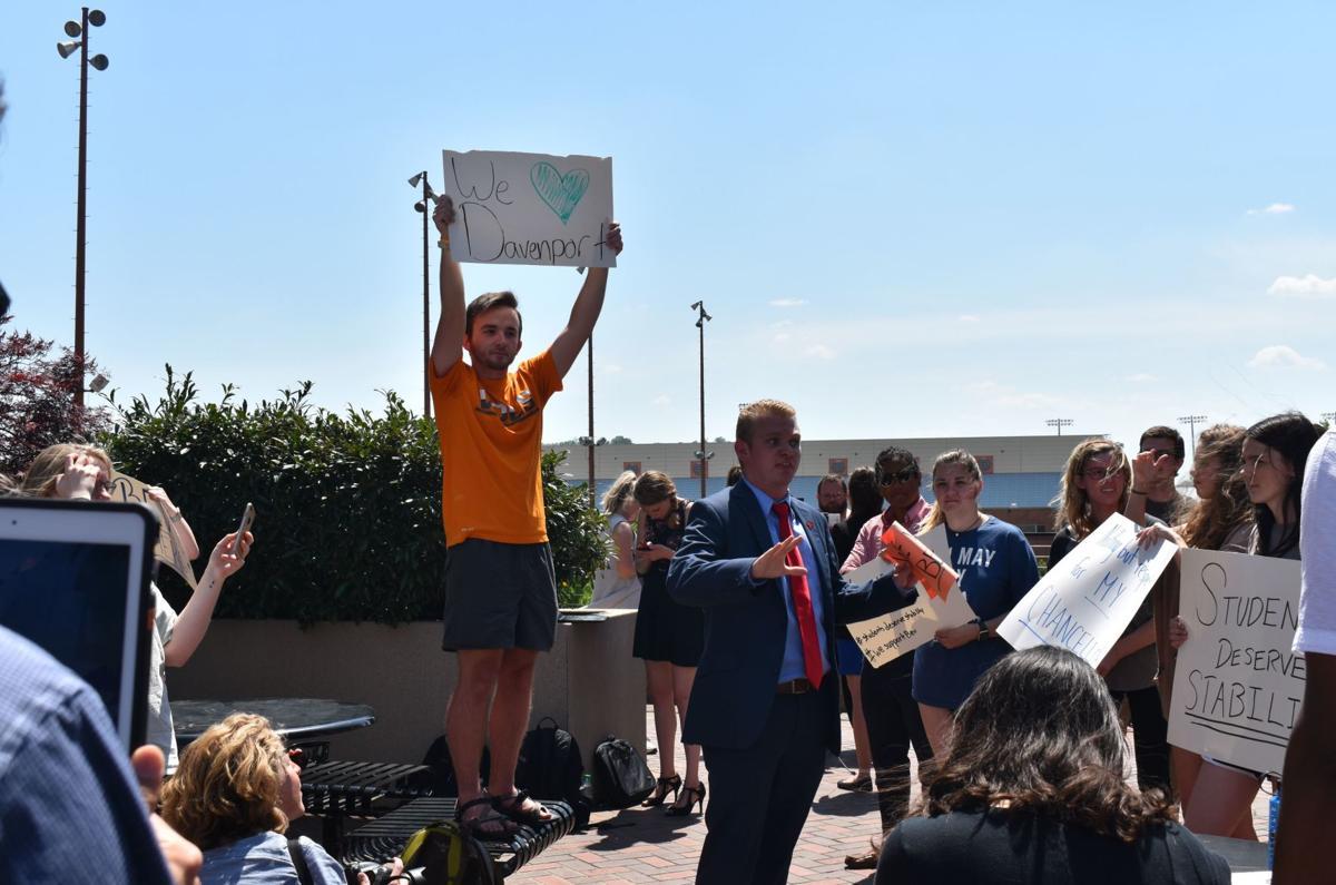 Davenport Protest02