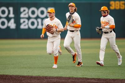 Vols outfield- Baseball