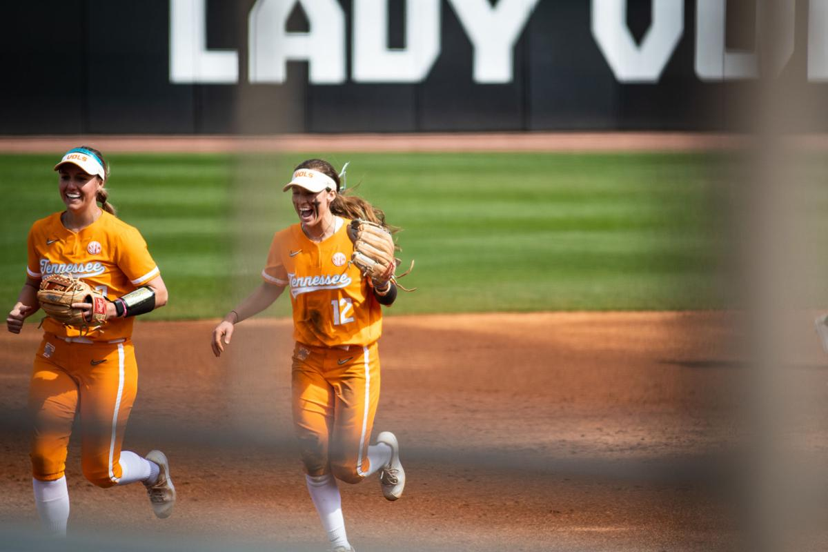 Shipman's clutch homer, Rogers' gem leads Lady Vols to upset of Arkansas