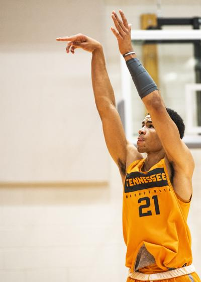 Men's Basketball Practice