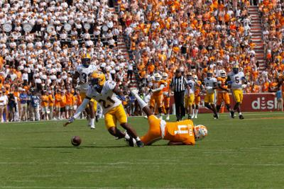 Notebook: Mistakes, inconsistency plagues Vols in loss to Pitt