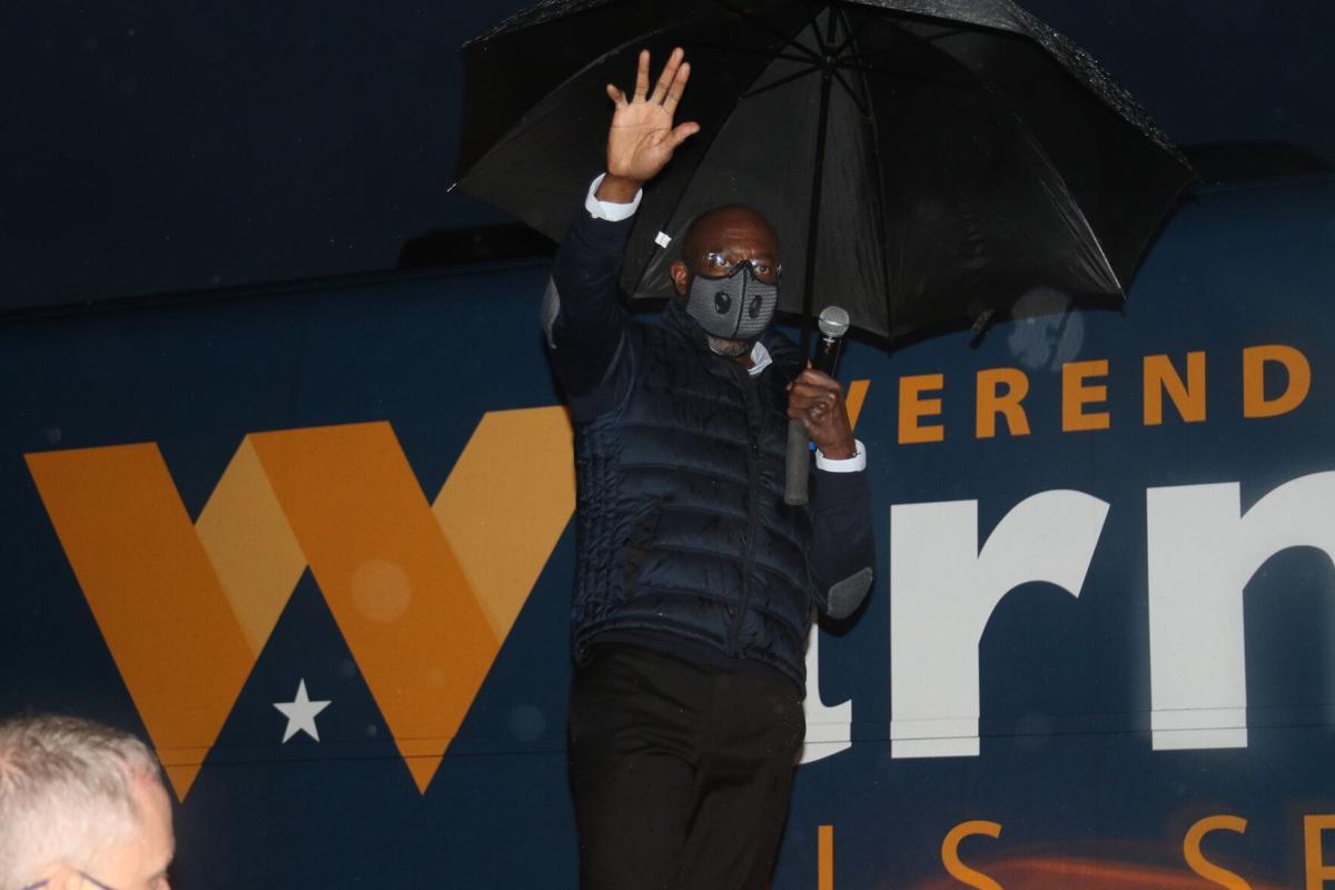 Warnock visits Valdosta ahead of Election Day 001