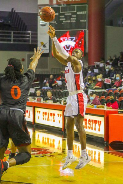From Downtown: Brown's 21 shoots No. 22 Blazers past Warhawks