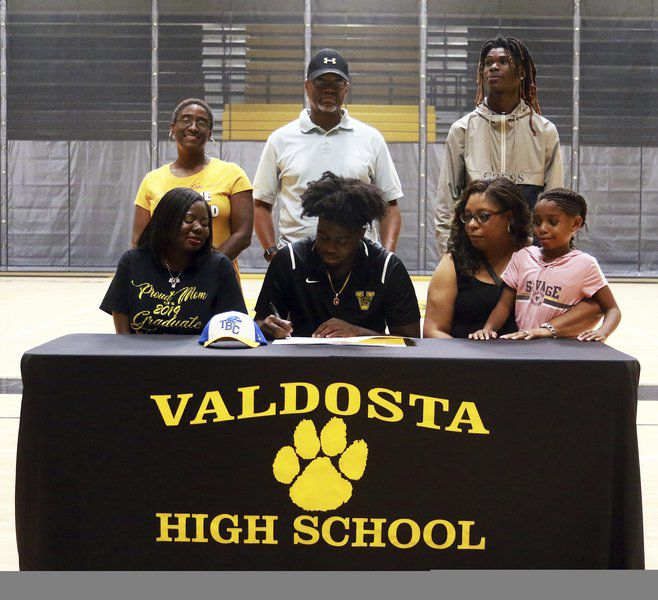 Valdosta's Jones, Whitfield sign with colleges