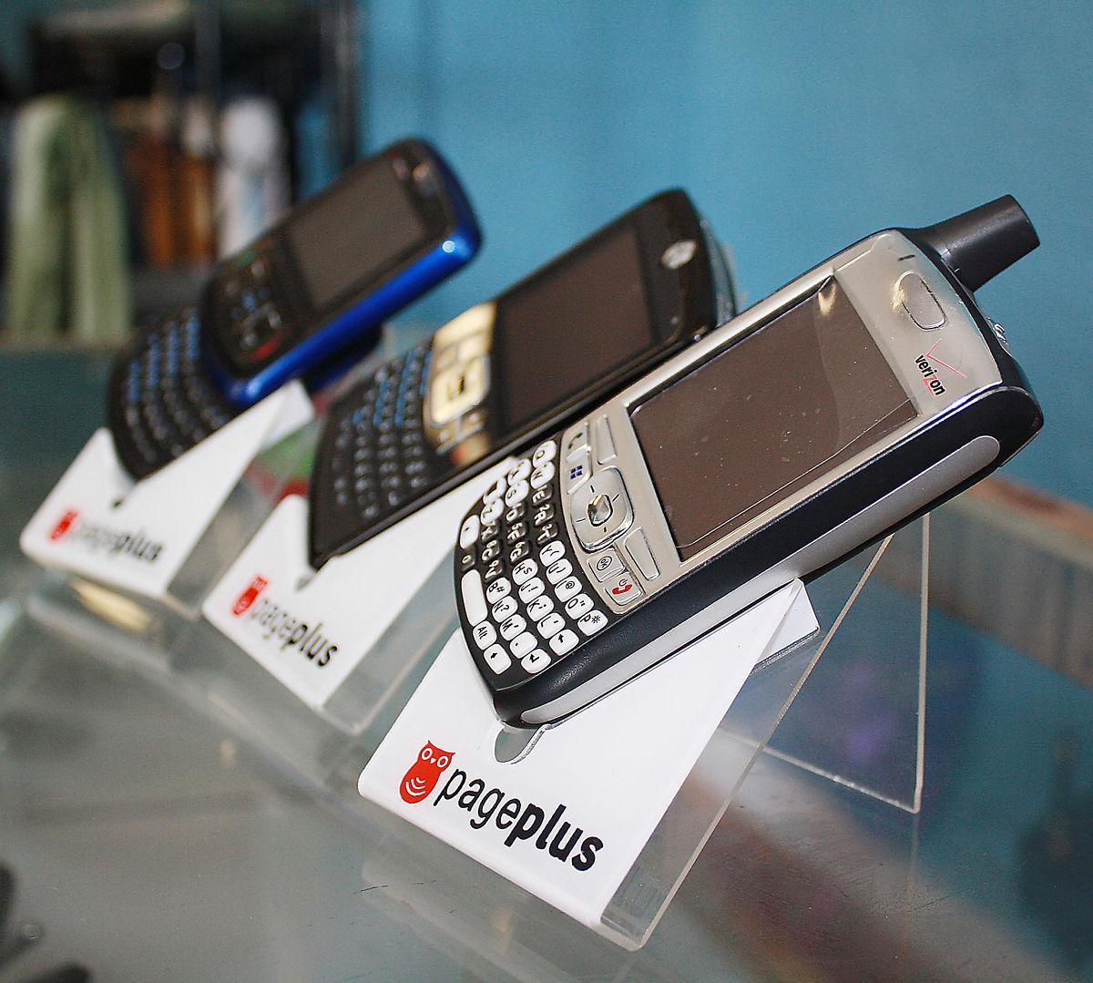 100611 prepaid cell1.jpg