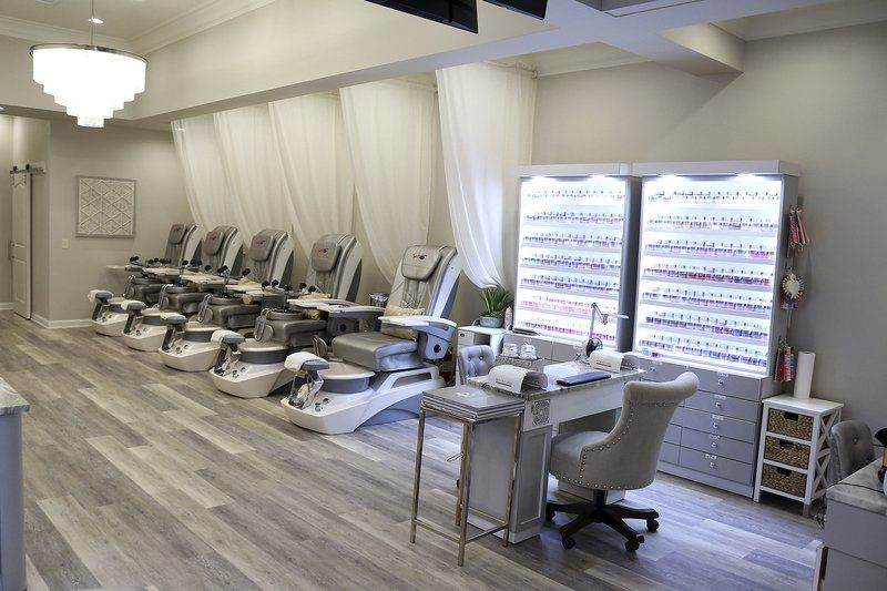 Nails By Chris: Business nails customer service