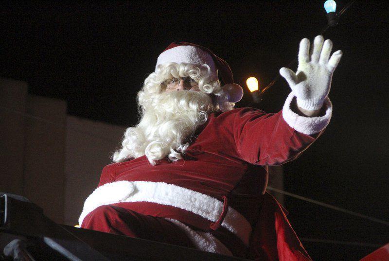 Cairo's Broad Street welcomes the Christmas season