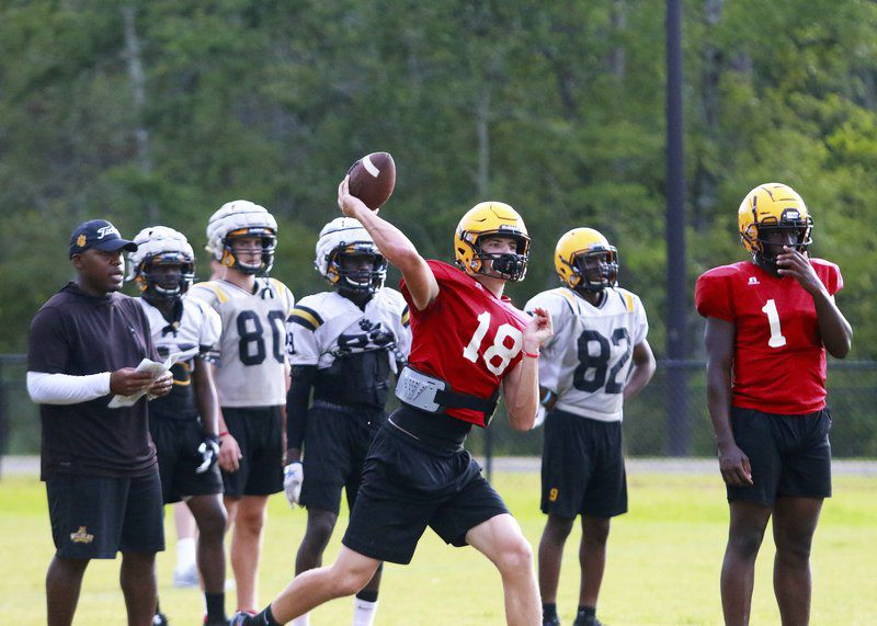 'Cats travel to face Red Terrors in preseason scrimmage