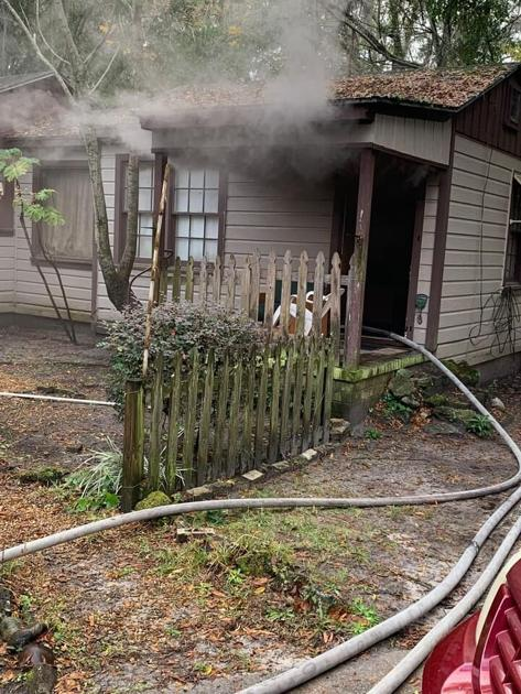 Unattended cooking causes fire on East Alden