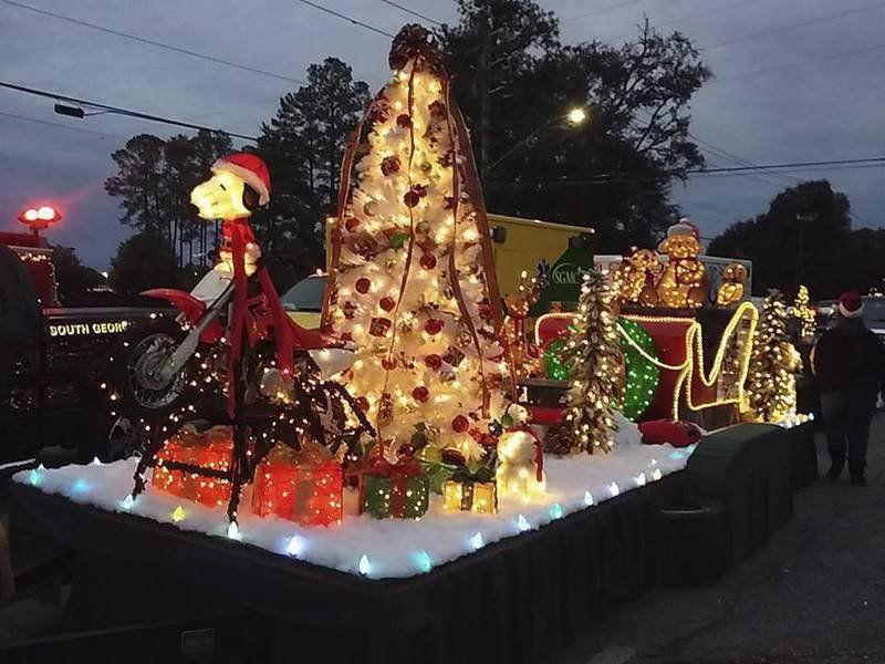 Valdosta Ga Christmas Parade 2019 Floats gear up for city parade | Local News | valdostadailytimes.com