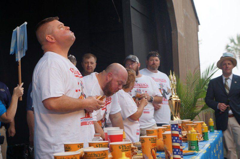 Wild Adventures hosts hot dog-eating contest