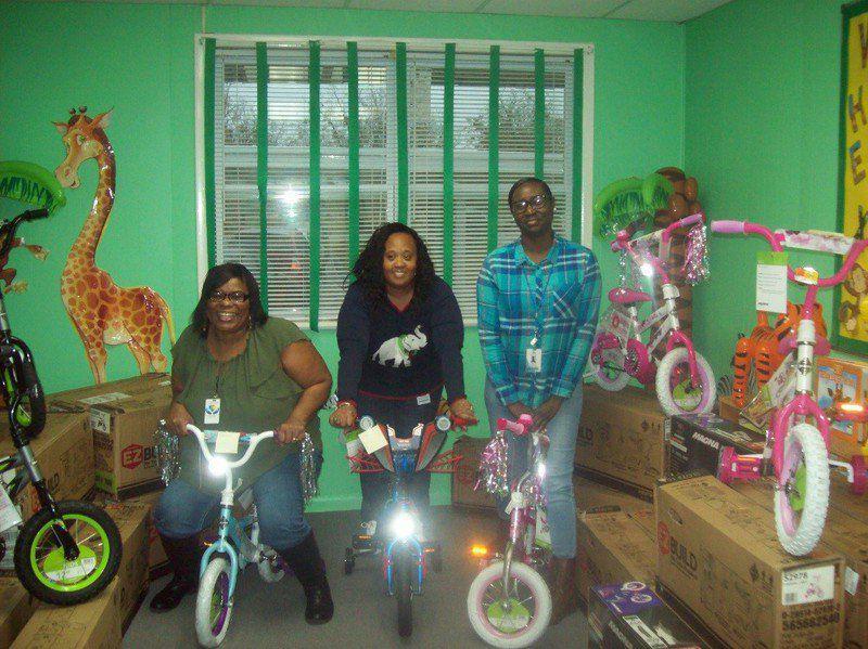 woman donates 122 bikes local news