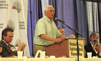 Pence visits Expo