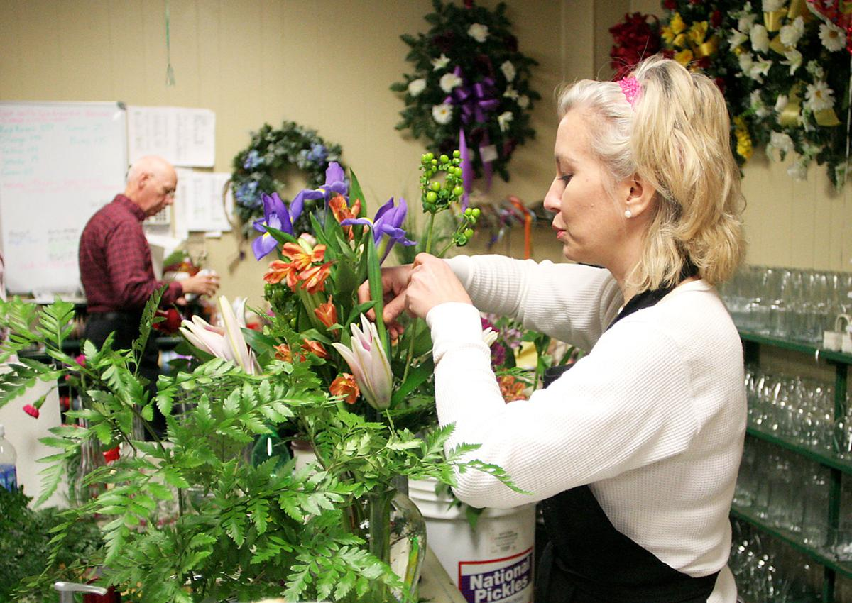 Floral Shops Hustle To Fill Valentines Orders Local News