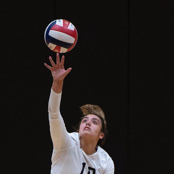 Valdosta volleyball splits against The Rock, Tift
